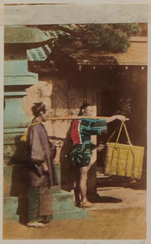 Shimooka Renjō, 'Konusubito zoku ni suri (Sneak thief, popularly known as a pickpocket)'/ 'Un felon', c.1863-70. An example of the use of French in the captions.