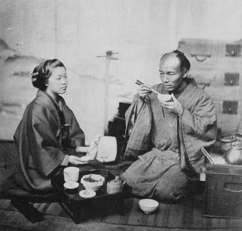 Felice Beato, Couple at meal, albumen print, 1863-65.